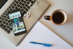 Instagram gaat toepassing op smartphone Royalty-vrije Stock Afbeeldingen