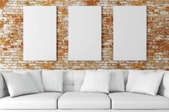 instalação 3d interior com sofá e o cartaz vazio ilustração stock
