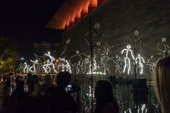 A instalação da arte dos Keyframes durante a noite branca Foto de Stock