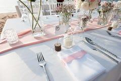 Instalação da tabela do casamento Fotografia de Stock Royalty Free