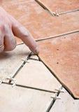 A instalação das telhas de assoalho Foto de Stock Royalty Free