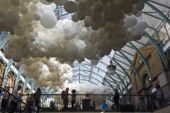 A instalação do balão da pulsação do coração em Londres Fotografia de Stock Royalty Free