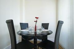 Instalação moderna da tabela de jantar Imagens de Stock Royalty Free
