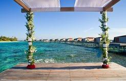Instalação para o casamento tropical foto de stock
