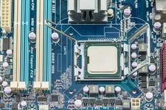 Instalación de la CPU foto de archivo