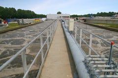 Instalación de tratamiento de la limpieza de las aguas residuales Imágenes de archivo libres de regalías