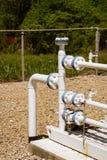 Instalación de tubos de gas natural Foto de archivo