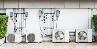 Instalación del acondicionador de aire Fotografía de archivo libre de regalías