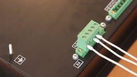 Instalación del conector en el equipo metrajes