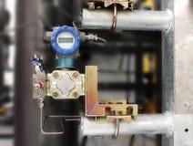 Instalación del transmisor de presión, transmisor de los temporeros Imagen de archivo