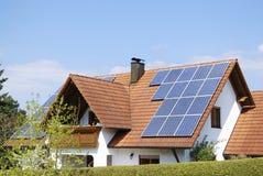 Instalación fotovoltaica Imagen de archivo libre de regalías