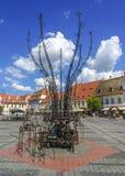 Instalación moderna en Piata Mare Place en Sibiu Imágenes de archivo libres de regalías