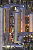 Instalación química en la noche Fotografía de archivo libre de regalías