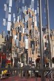 Instalación urbana con los espejos brillantes fotos de archivo libres de regalías