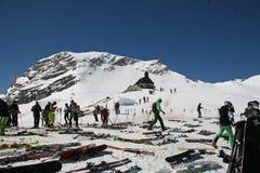 Instalaciones del esquí en la montaña de Zugspitze, Alemania Fotografía de archivo