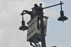 Instalacja latarnie uliczne Zdjęcie Stock
