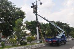 Instalacja latarnie uliczne Obrazy Stock