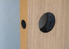 Instalacyjny wewnętrzny drewniany drzwiowy kędziorek Zdjęcia Royalty Free