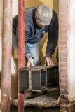 Instalando a grande viga de aço Fotografia de Stock Royalty Free