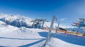 Instalations των κλίσεων σε Solden Αυστρία πλήρως την εποχή χειμερινών σκι Στοκ φωτογραφία με δικαίωμα ελεύθερης χρήσης