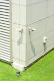 Instale a câmera do CCTV Imagens de Stock