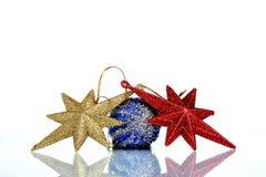 Instale el fondo de la tarjeta de felicitación de la Navidad, sobre el vidrio, cierre, aislado en el fondo blanco Imágenes de archivo libres de regalías