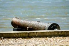 instale tubos en la playa, en el capital de Lisboa de Portugal fotografía de archivo libre de regalías