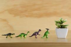 Installatie en dinosaurussen Royalty-vrije Stock Afbeeldingen
