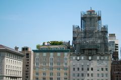 Installaties op dak van de wolkenkrabbers van New York royalty-vrije stock afbeeldingen