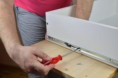 Installation av en stång på en enhet Fotografering för Bildbyråer