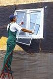 Installation av plast- fönster Royaltyfri Bild