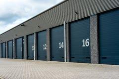 Installation d'entrepôt de stockage d'unité avec des portes de numberd Photo libre de droits