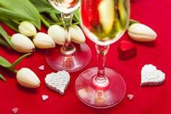 Installation de bonbons et de champagne à Saint-Valentin Photo libre de droits
