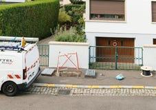 Installation de fibre optique dans la vue de voisinage d'en haut Photos libres de droits