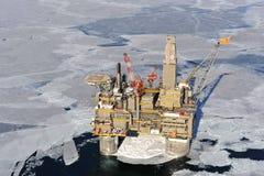 Installation de forage de pétrole photographie stock