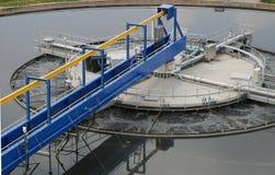 Installation de traitement d'eaux résiduaires Photo stock
