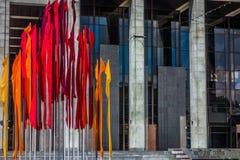 Installation der roten Fahnen Stockfotos