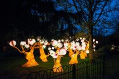 Installation des arbres rougeoyants dans la Chambre et les jardins de Chiswick Photographie stock