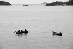 Installation des filets de pêche image libre de droits