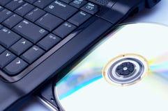 Installation du logiciel sur un cahier Image stock