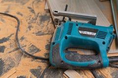 Installation du plancher en stratifi? photo libre de droits