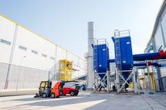 Installation et silo de cheminée de gaz résiduel pour les déchets images stock
