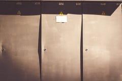 Installation extérieure d'armoire à haute tension pour commuter les installations électriques images libres de droits
