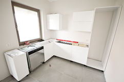 Installation of new white kitchen Royalty Free Stock Photos
