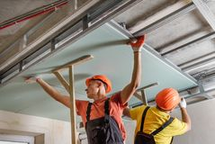 Free Installation Of Ceiling Drywall Stock Photos - 160249243