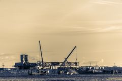 Installation of the oil rig. Royalty Free Stock Photos