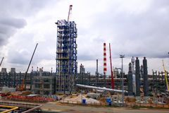Installation of the reforming column at the Moscow oil refinery stock image