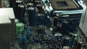 Installato nel CPU della scheda madre del computer stock footage