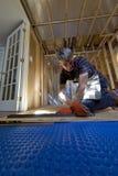 Installazione del sottopavimento del seminterrato Fotografia Stock