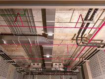 Installeer het airelectrical systeem, Sprenkelinstallatie, elektrosysteem stock foto's